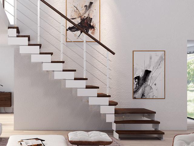 Escalera recta con zancas metálicas y peldaños de madera