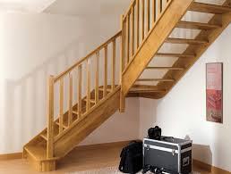 Escalera de madera con giro 90º