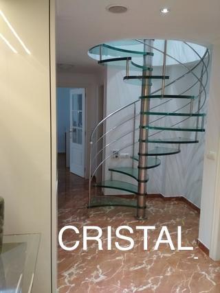 Escalera decorativa de cristal