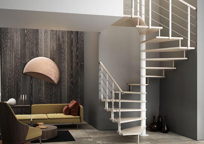 Escalera de caracol de madera de planta cuadrada