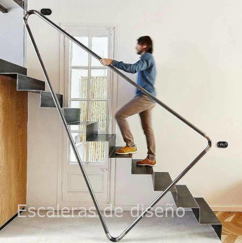 Escalera recta metálica de diseño minimalista